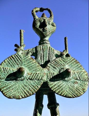 Bronzetto nuragico:  guerriero con quattro occhi