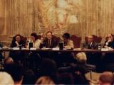 <p>Da destra: mons. Fisichella, G. Pugliese Caratelli, interprete, A. Abécassis, M.P.Rosati, P. Prini</p>