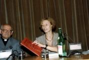 <p>Maria Pia Rosati presenta il primo volume di átopon</p>